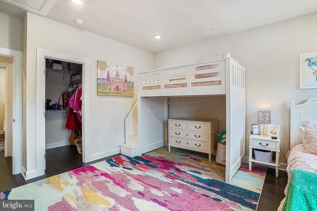 Bedroom #2  Walk-in Closet - 6141 FALLFISH CT, NEW MARKET