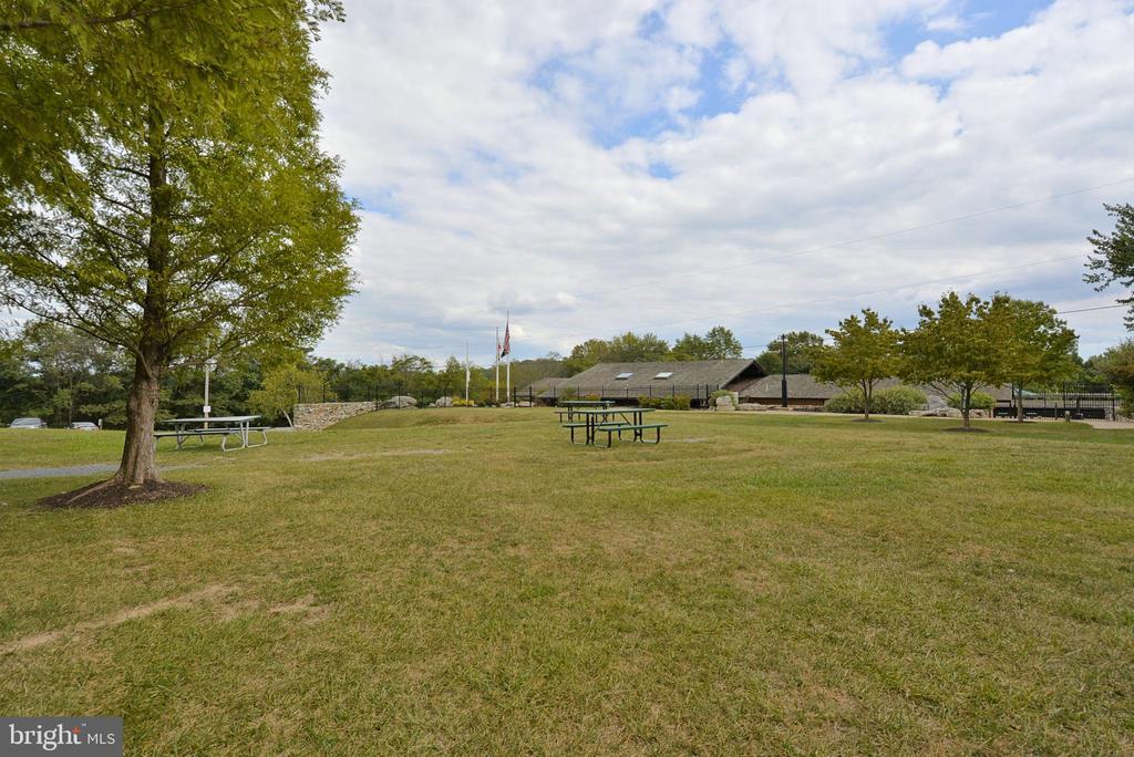 Picnic Areas - 6141 FALLFISH CT, NEW MARKET