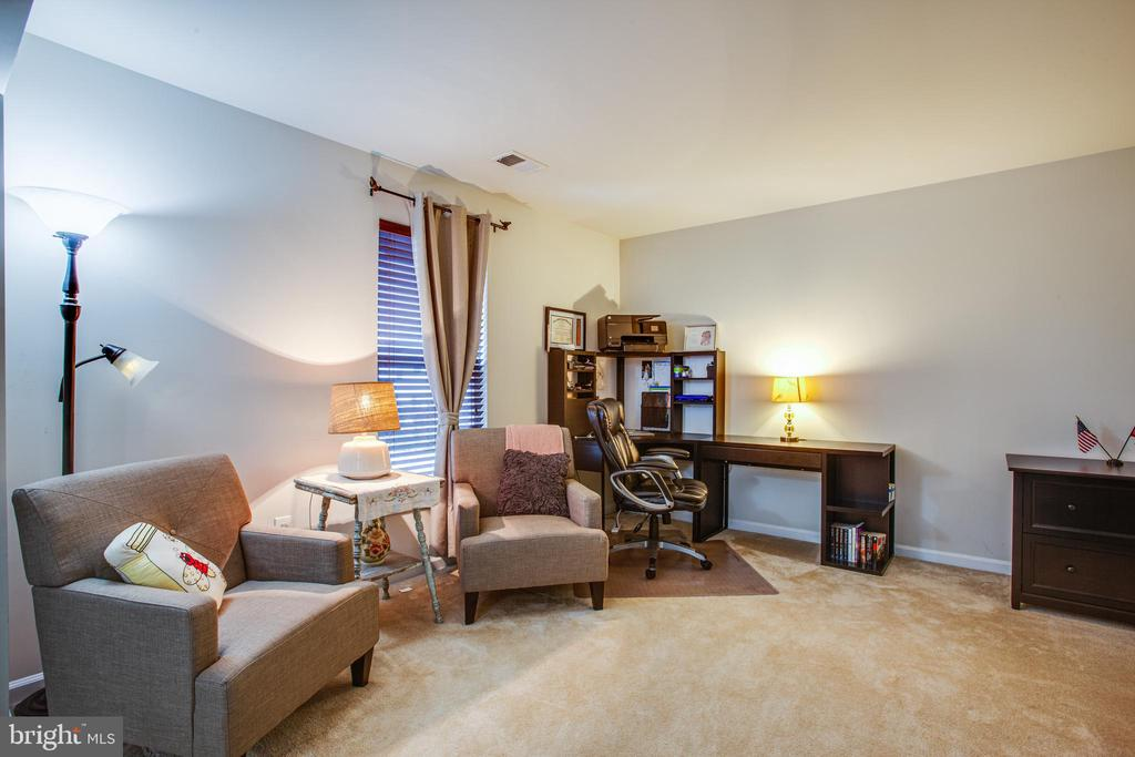 Sitting area in Master Bedroom - 24 IVY SPRING LN, FREDERICKSBURG