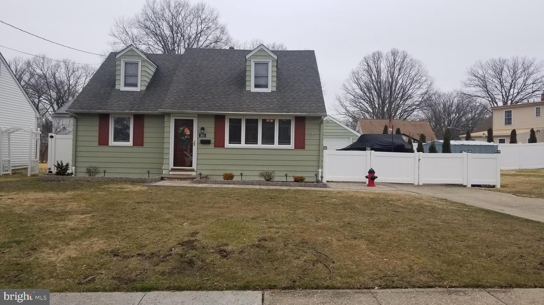 Single Family Homes для того Продажа на Barrington, Нью-Джерси 08007 Соединенные Штаты