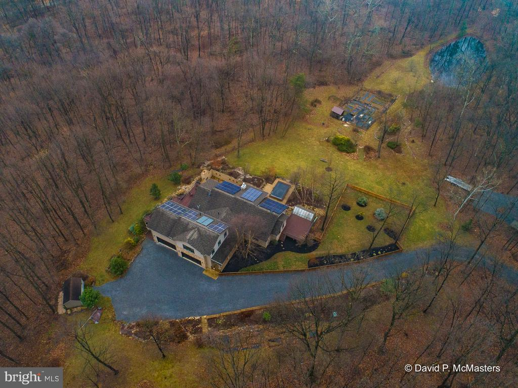 Secluded   A world apart  yet minutes to I-81 - 212 CICADA DR, MARTINSBURG