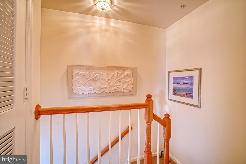 Upper Level Stairway - 13388 SPOFFORD RD #304, HERNDON