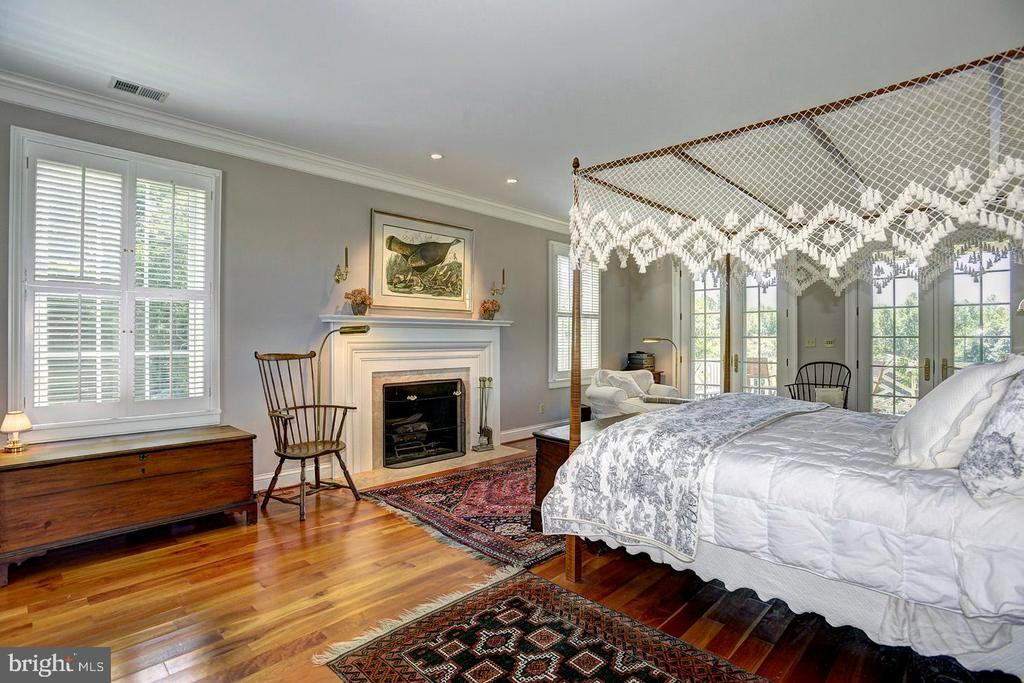 Master bedroom - 205 MILL SWAMP RD, EDGEWATER