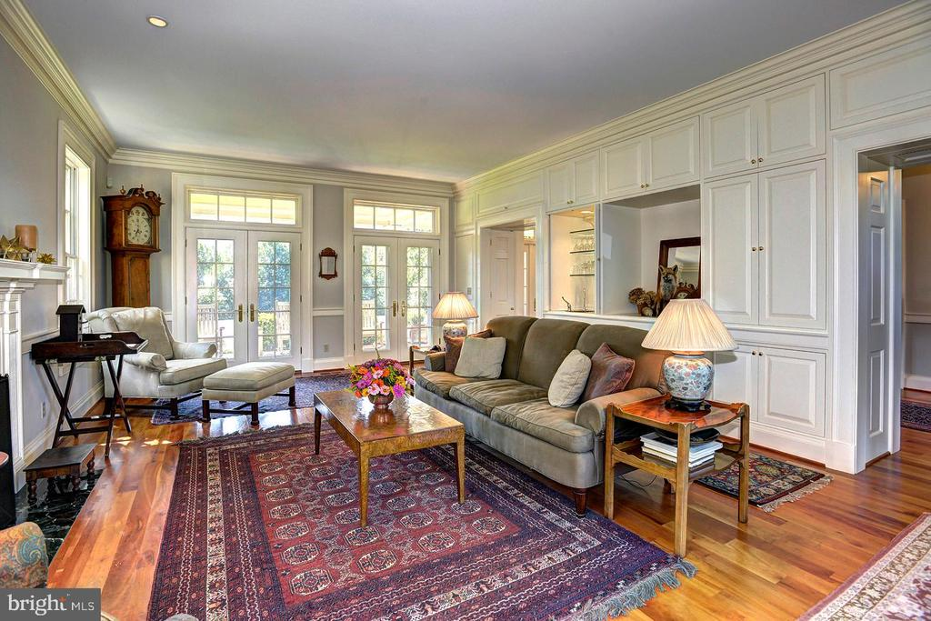 Formal living room - 205 MILL SWAMP RD, EDGEWATER