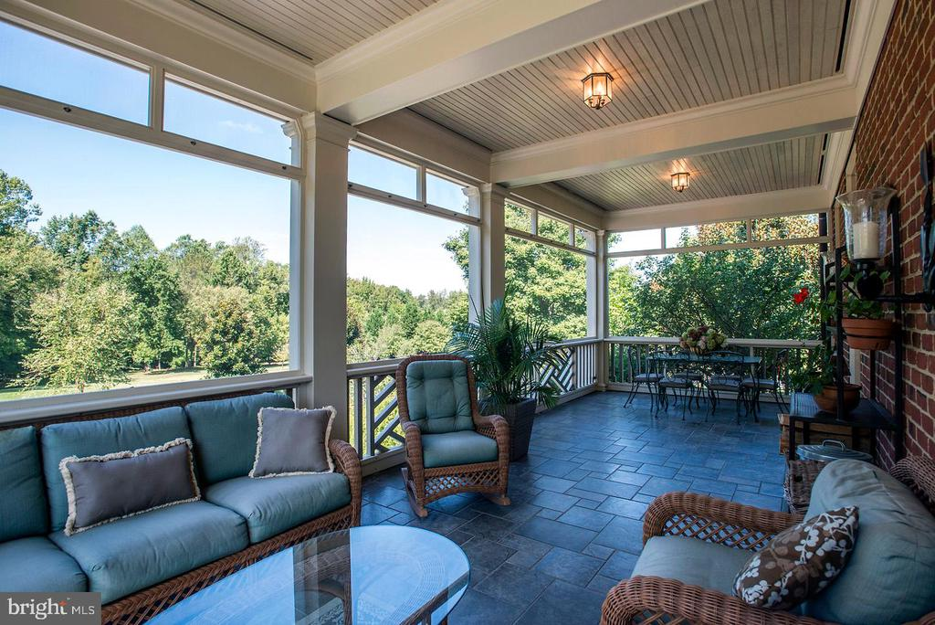 Covered porch - 205 MILL SWAMP RD, EDGEWATER