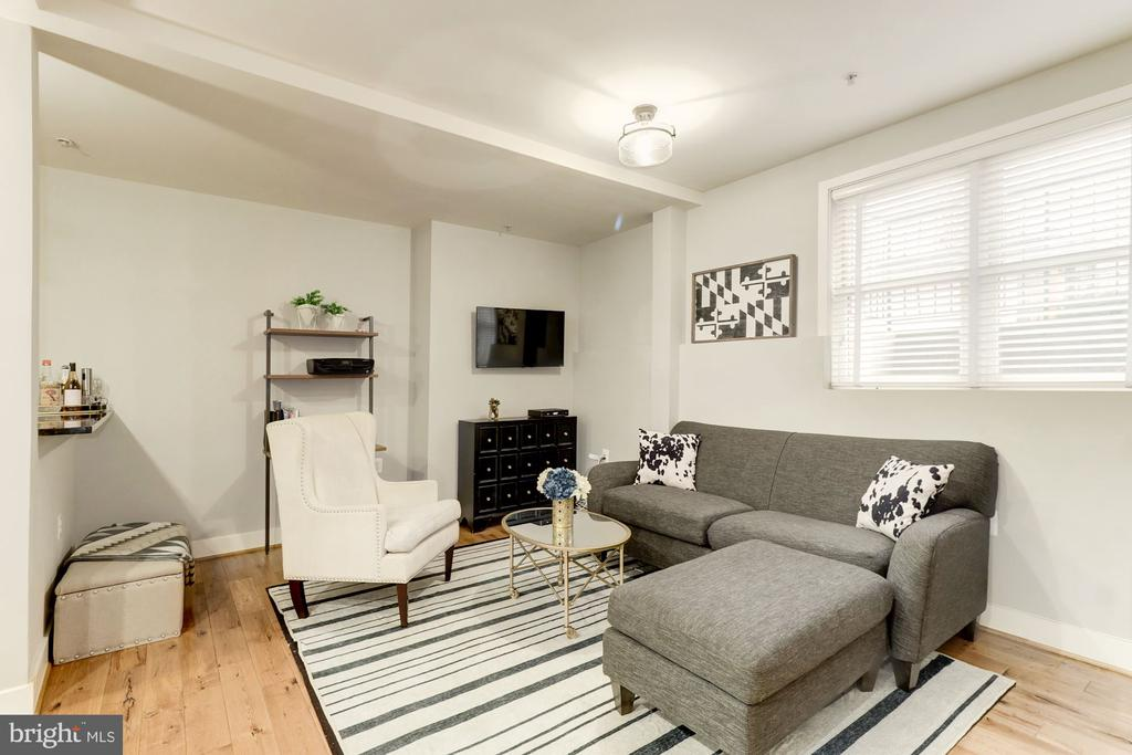 Open Floor Plan with High Ceilings - 1425 11TH ST NW #103, WASHINGTON