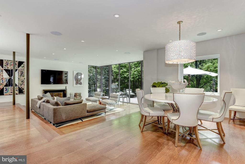 Modern Open Casual Dining & Family Room - 4400 GARFIELD ST NW, WASHINGTON