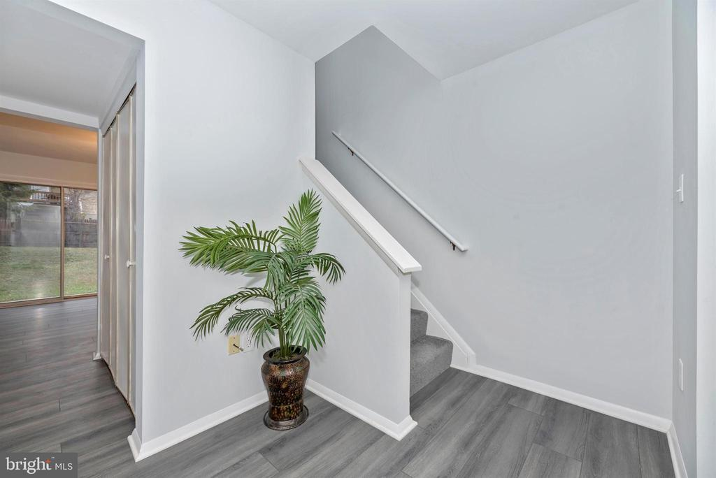 Staircase - 76 WENNER DR, BRUNSWICK