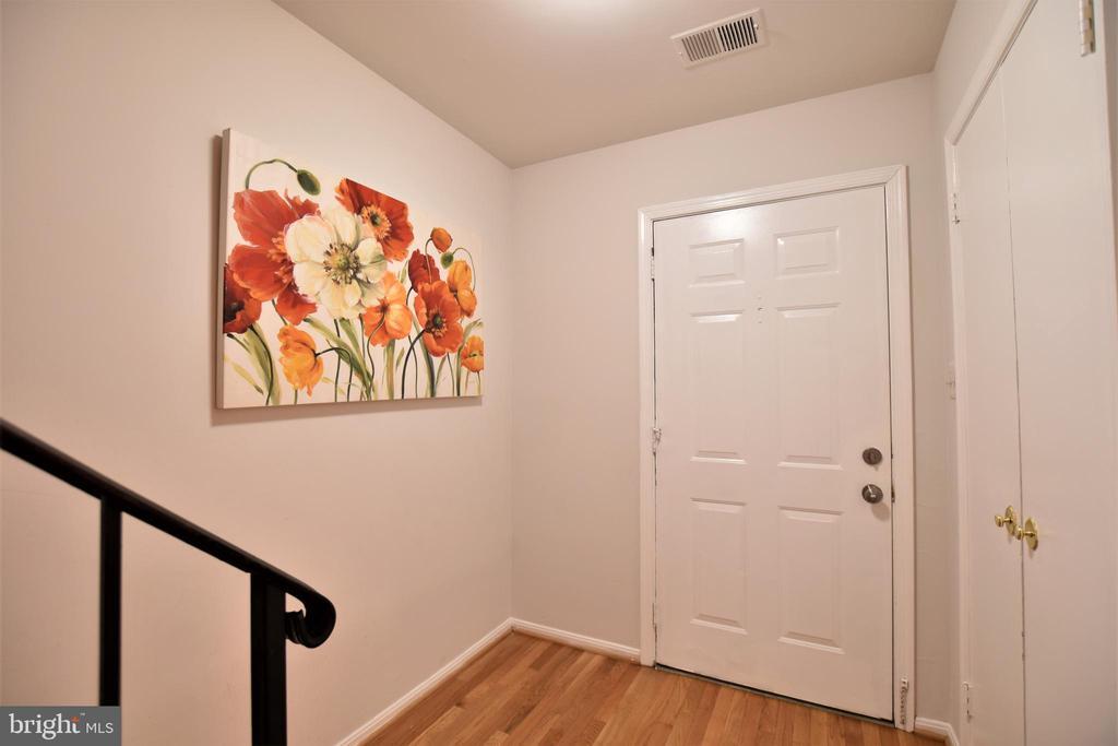 Front Entrance - 7839 CODDLE HARBOR LN #22, POTOMAC