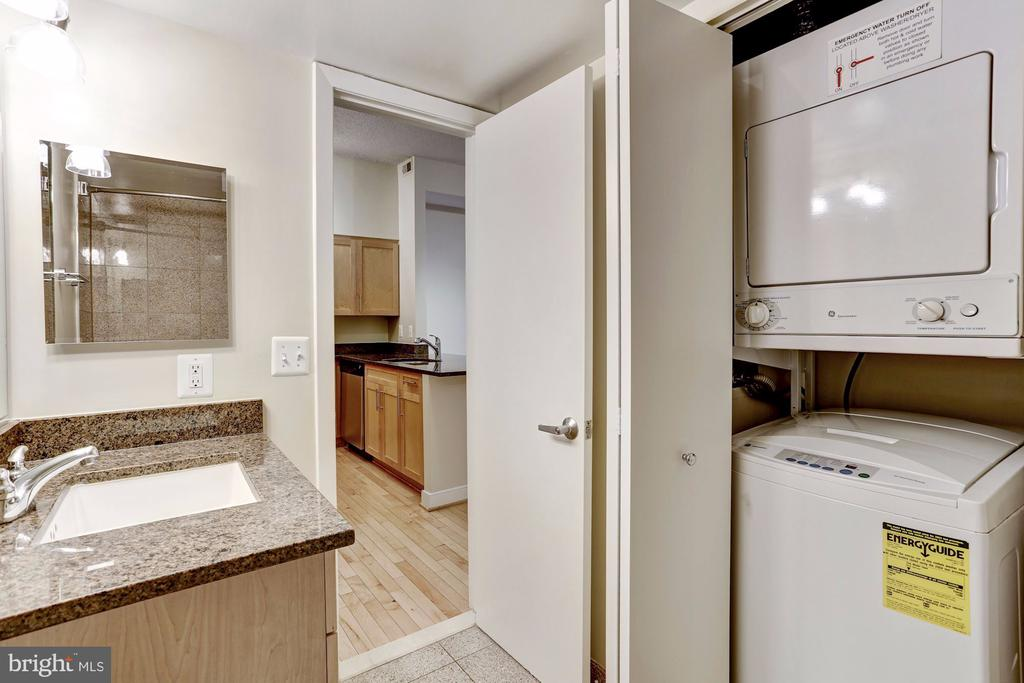 In-Unit Washer/Dryer - 7500 WOODMONT AVE #S208, BETHESDA