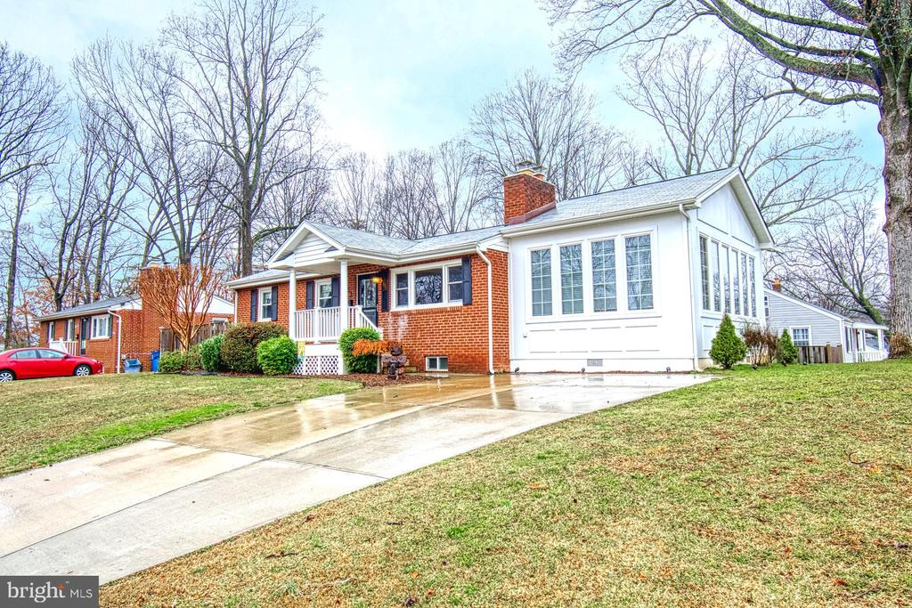 Make this home your home! - 4102 POPLAR ST, FAIRFAX