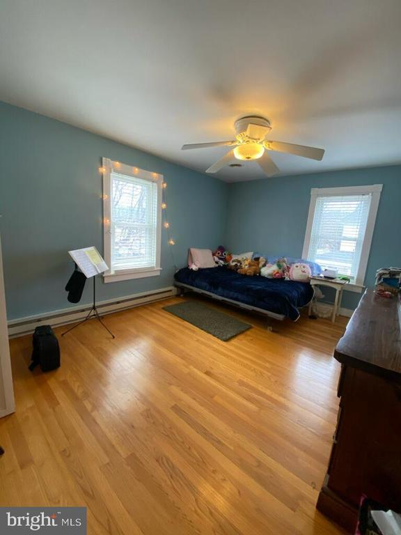 bedroom 2 - 411 E MAIN ST, THURMONT