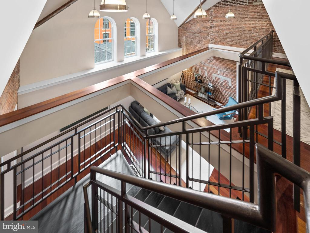 Timeless staircase - 215 I ST NE #402, WASHINGTON