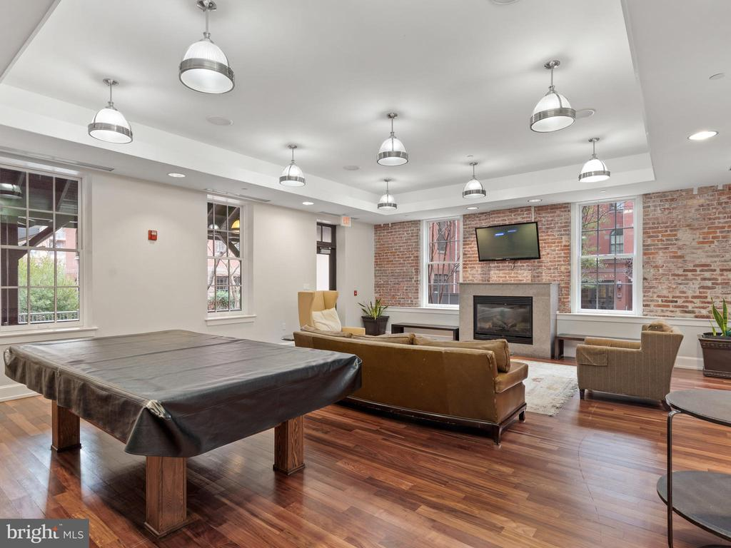 More space to entertain - 215 I ST NE #402, WASHINGTON