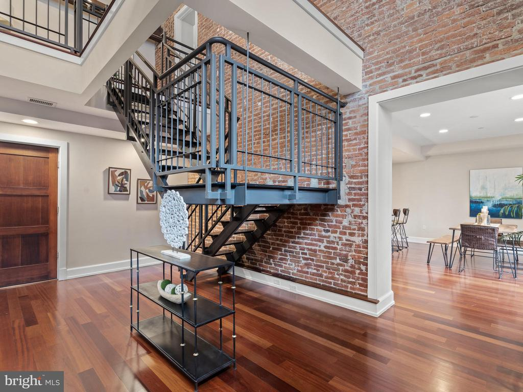 Custom steel staircase with hardwood tread - 215 I ST NE #402, WASHINGTON