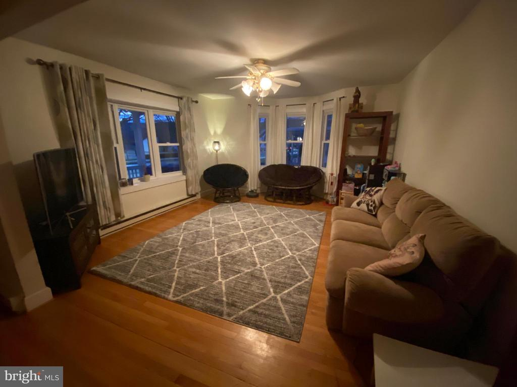 Living Room - 411 E MAIN ST, THURMONT