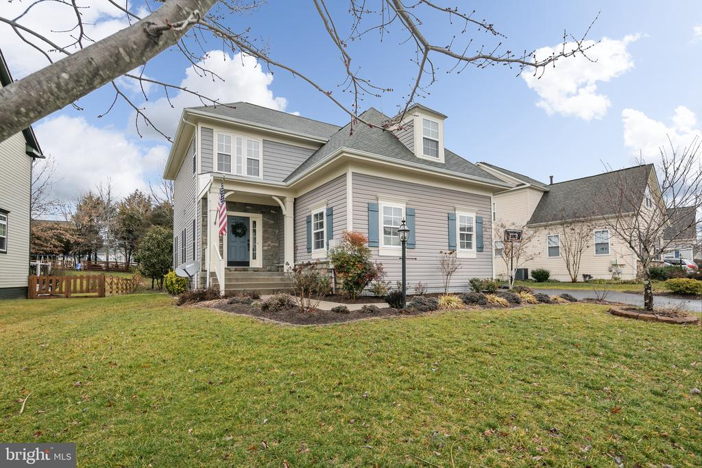 - 9291 FALLING WATER DR, BRISTOW
