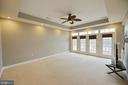 Master bedroom with private deck - 18184 SHINNIECOCK HILLS PL, LEESBURG