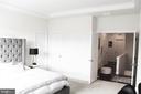 Master Suite Walk-In Closet w/Elfa Closet System - 23100 LAVALLETTE SQ, BRAMBLETON