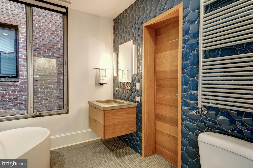 Third Floor Full Bathroom - 2113 S ST NW, WASHINGTON