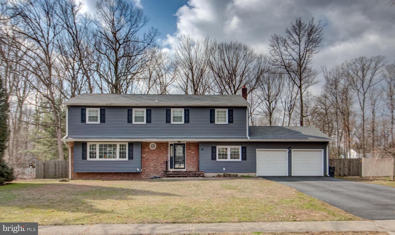 Single Family Homes für Verkauf beim Hightstown, New Jersey 08520 Vereinigte Staaten