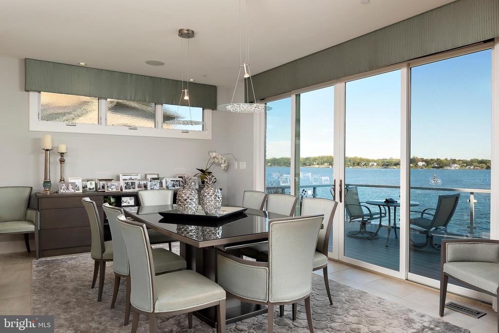 Dinning  area over looking the South River - 740 S RIVER LANDING RD, EDGEWATER