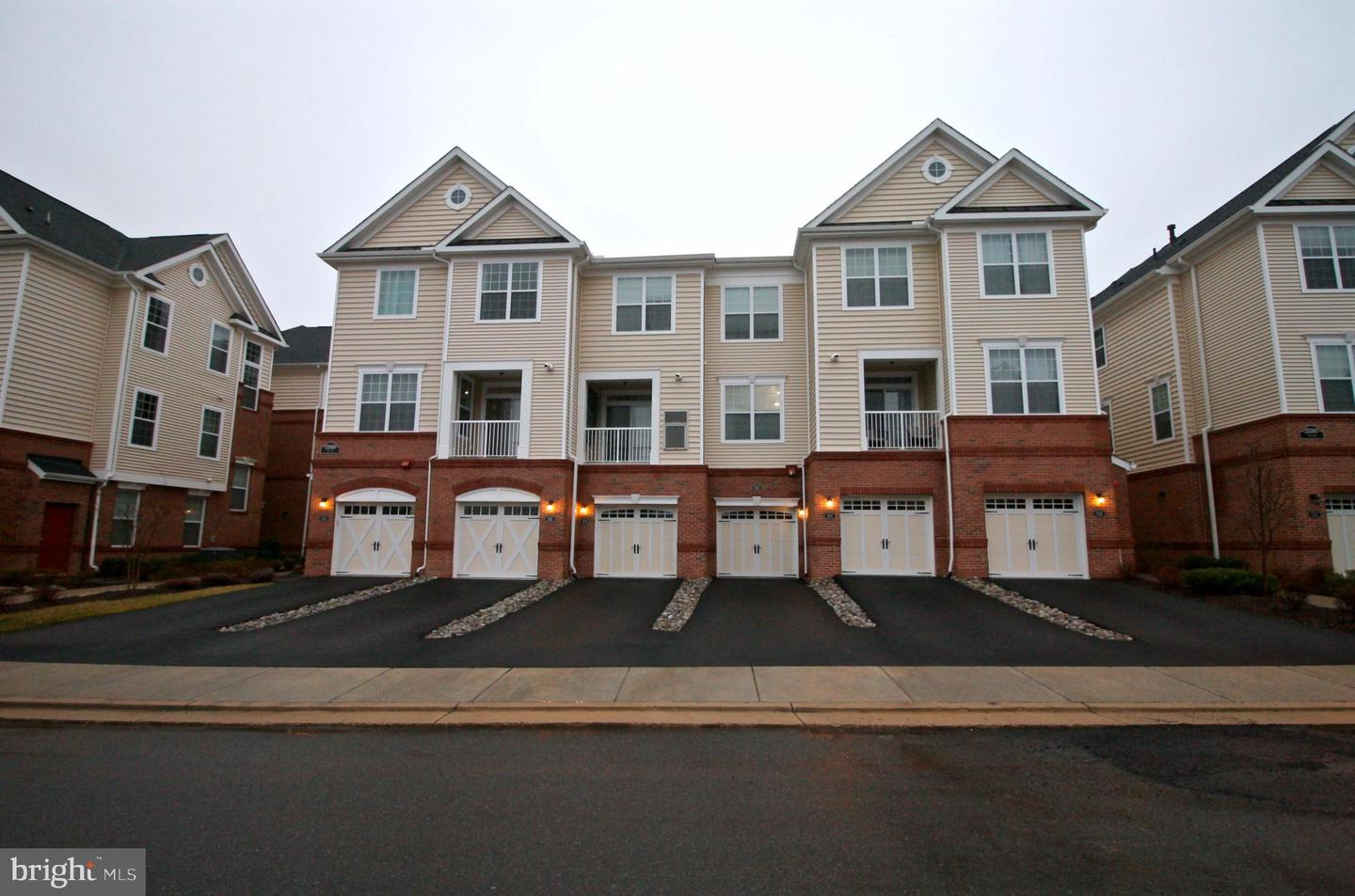 Photo of 23300 MILLTOWN KNOLL SQ #102, ASHBURN, VA 20148