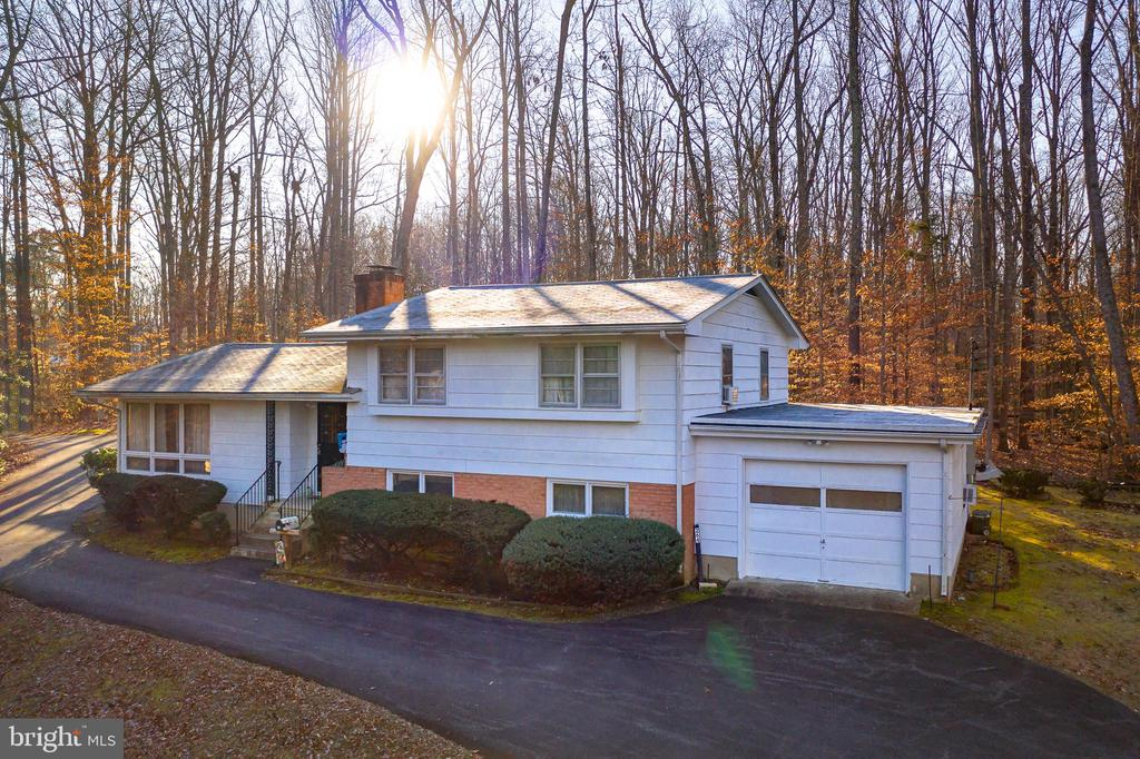 DON'T MISS THIS RARE OPPORTUNITY! - 264 COLEBROOK RD, FREDERICKSBURG