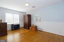 3rd BR with hardwood floors - 9020 SOUTHWICK ST, FAIRFAX