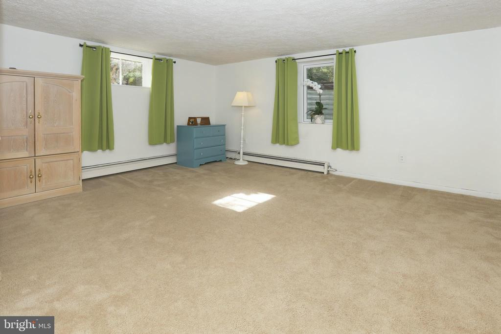 4th bedroom on lower level - 9020 SOUTHWICK ST, FAIRFAX