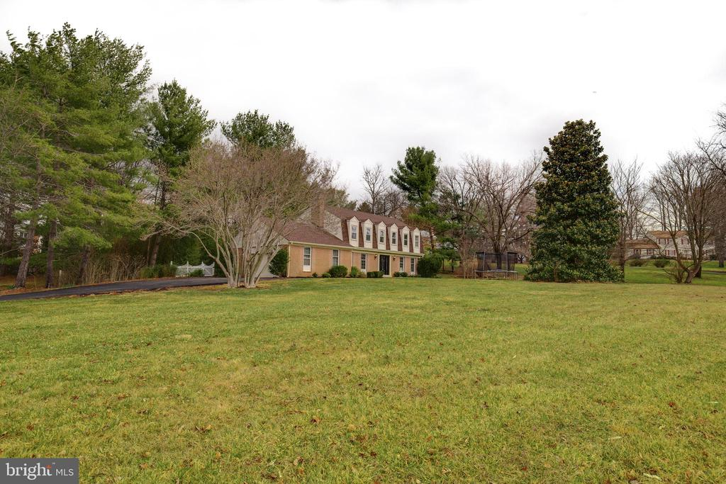 Over 1 acre - 4003 LATHAM DR, HAYMARKET