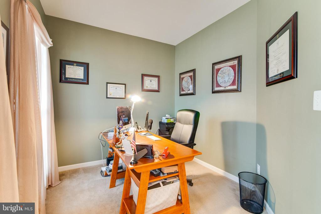 Private office of main entry - 2472 TRIMARAN WAY, WOODBRIDGE