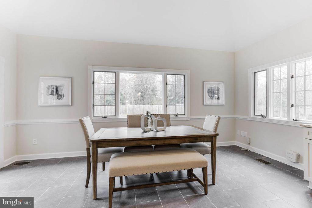 Breakfast Room - 7812 SWINKS MILL CT, MCLEAN