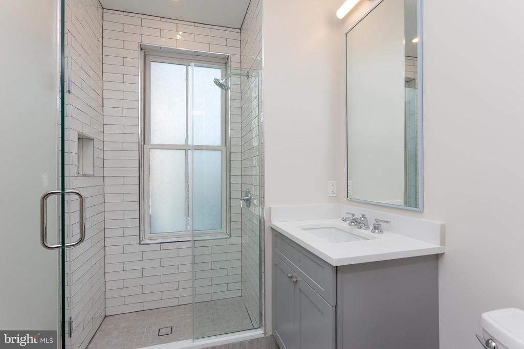 Unit 2: Bathroom One - 3012 Q ST NW, WASHINGTON