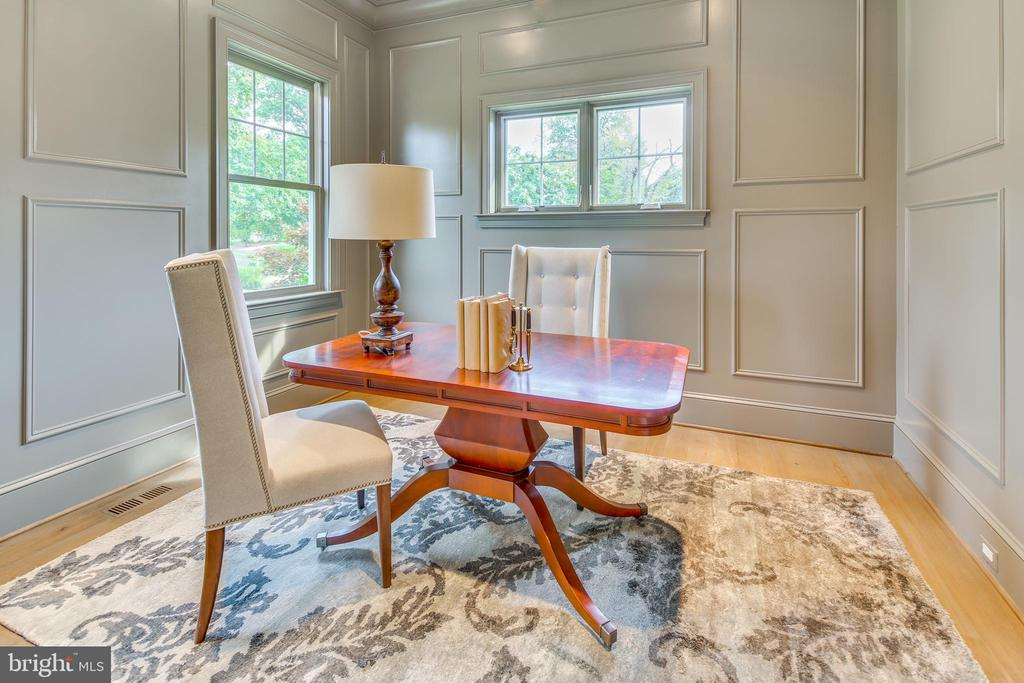 Off the foyer, there is a corner office/den... - 11134 STEPHALEE LN, NORTH BETHESDA