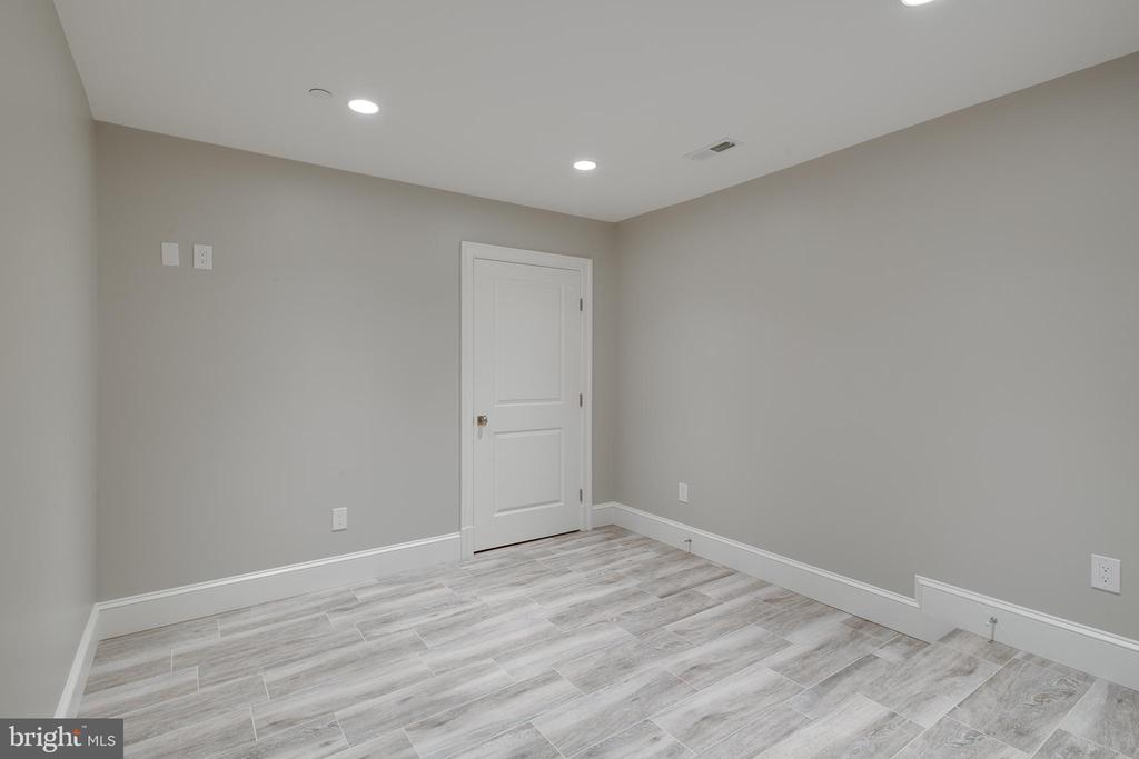 Another room to use as you please... - 11134 STEPHALEE LN, NORTH BETHESDA