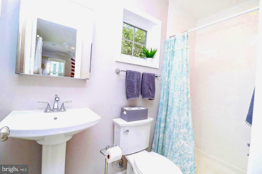 Recently updated bathroom. - 1804 S NELSON ST, ARLINGTON