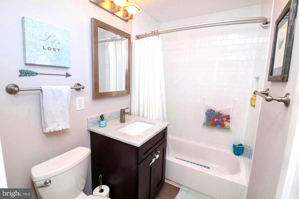 Recently updated bathroom - 1804 S NELSON ST, ARLINGTON
