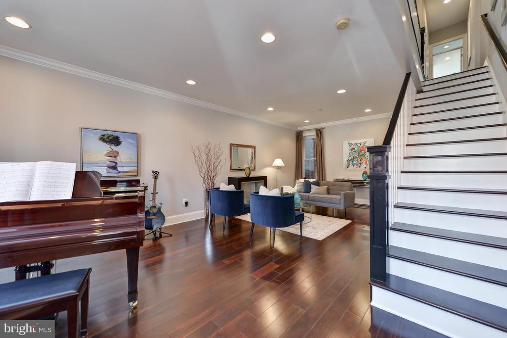 Open main floor - 223 11TH ST SE, WASHINGTON