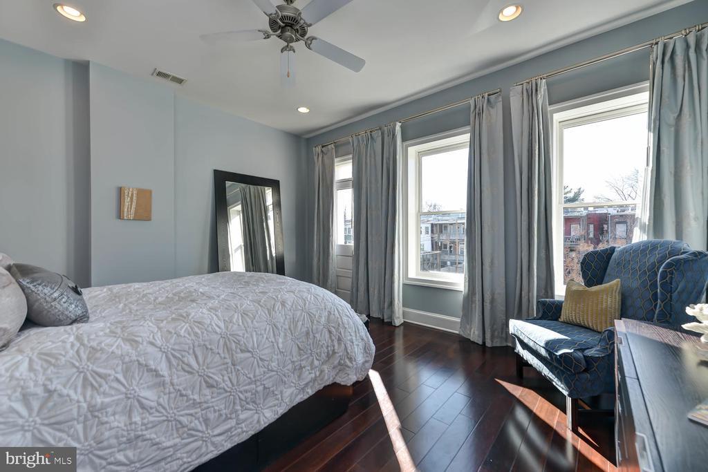 Master bedroom - 223 11TH ST SE, WASHINGTON