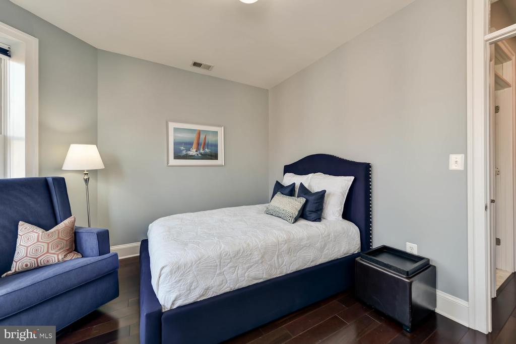 Third bedroom - 223 11TH ST SE, WASHINGTON