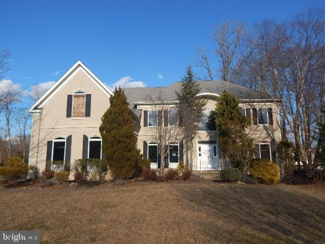 Single Family Homes pour l Vente à Monroe Township, New Jersey 08831 États-Unis