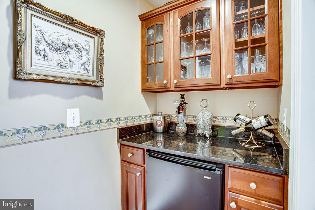Butlers Pantry - 12249 MCDONALD CHAPEL DR, GAITHERSBURG