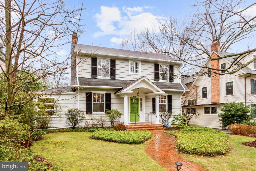 MLS MDMC693818 in CHEVY CHASE
