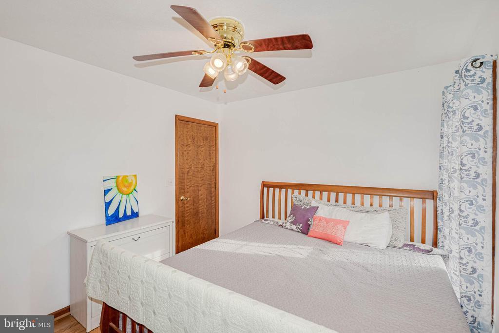 Bedroom 2 - 217 MEADOWVIEW LN, LOCUST GROVE