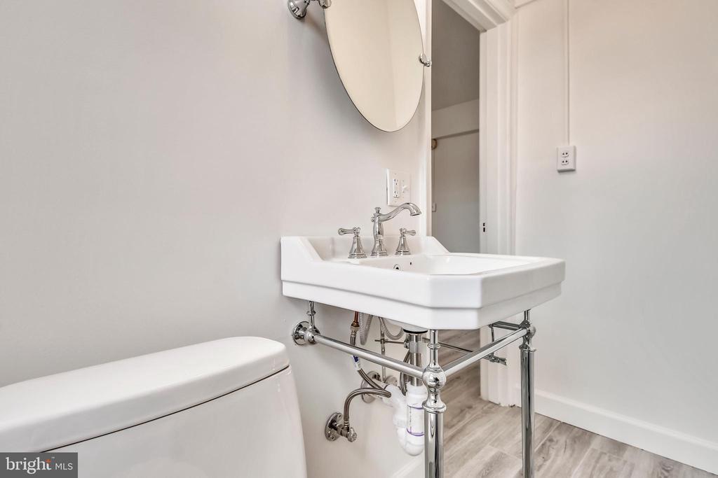 Bathroom - 3601 CONNECTICUT AVE NW #700B, WASHINGTON