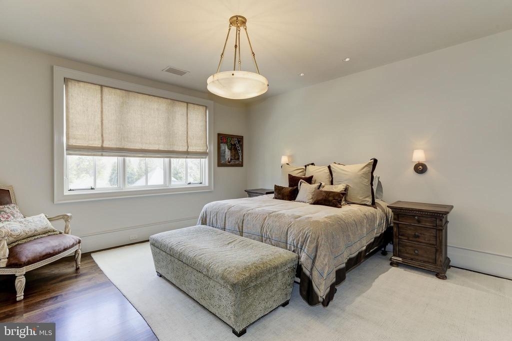Fourth Bedroom - 9005 CONGRESSIONAL CT, POTOMAC