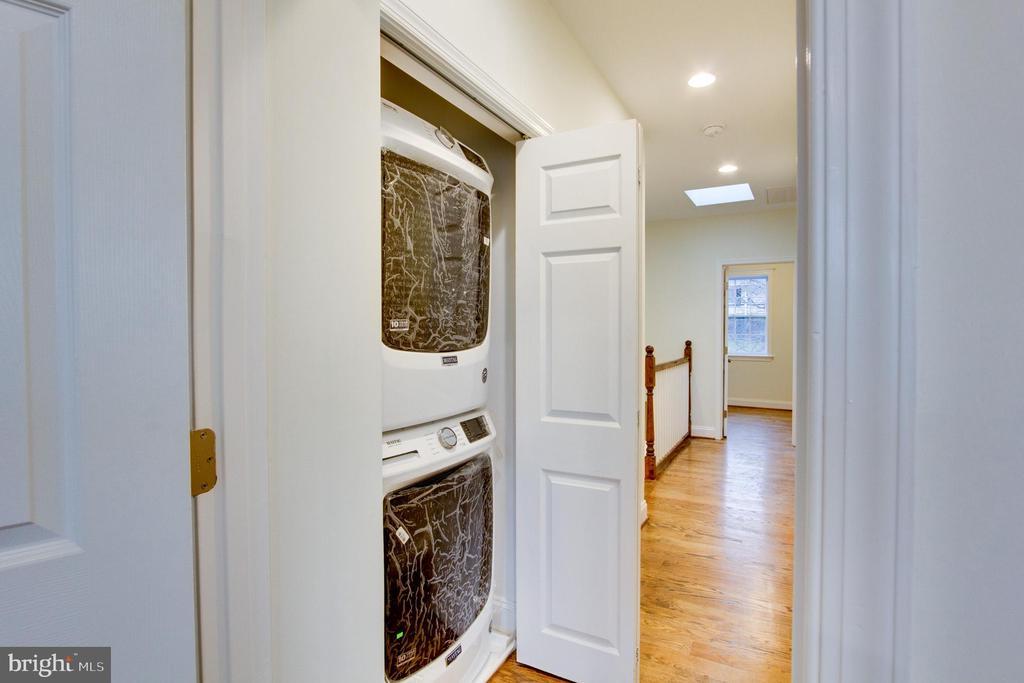 Top floor washer/dryer - 2626 4TH ST NE, WASHINGTON