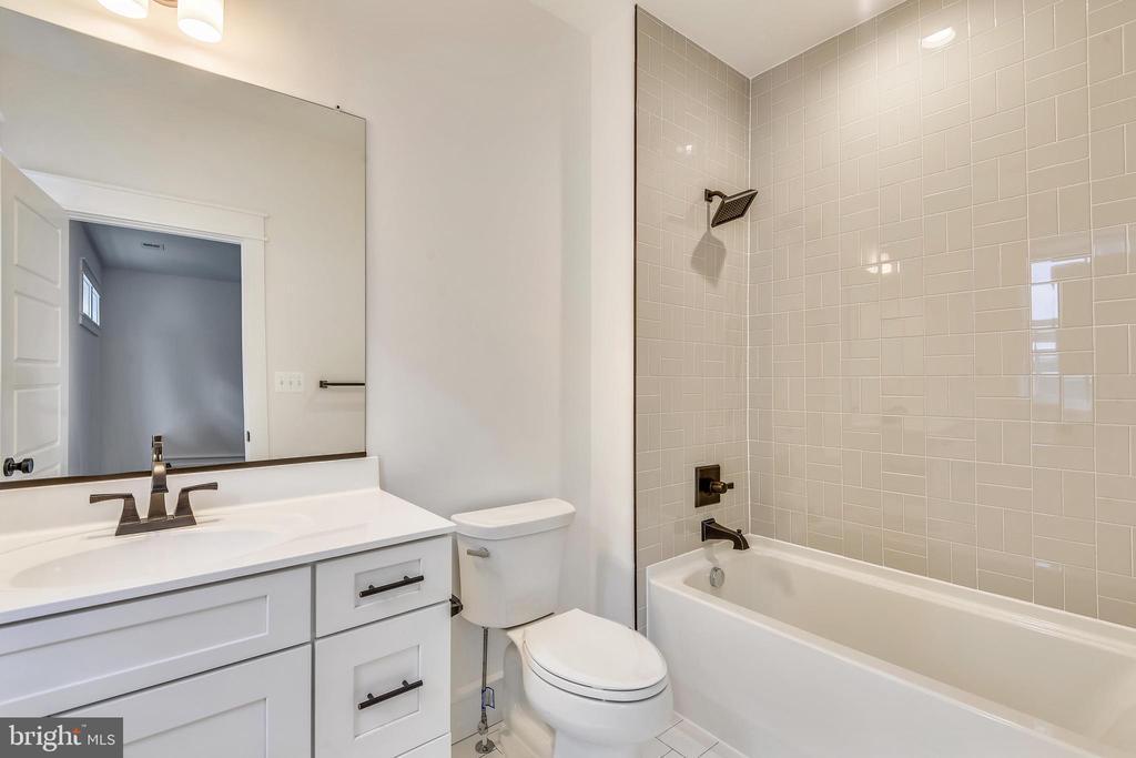 4th on-suite bathroom - 0 JEFFERSON ST, HERNDON