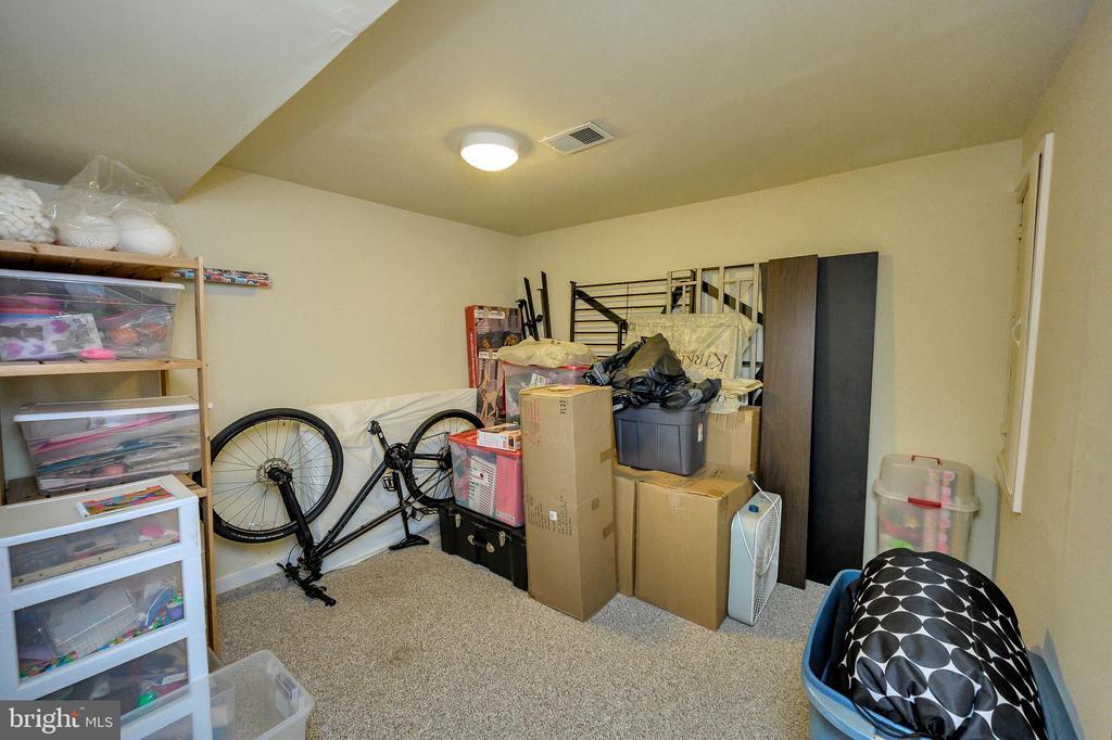 Additional Finished Basement Room - 100 HOLMES ST, STAFFORD